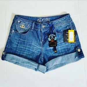 NWT! Deréon Womens Cuffed Blue Denim Shorts •7/8